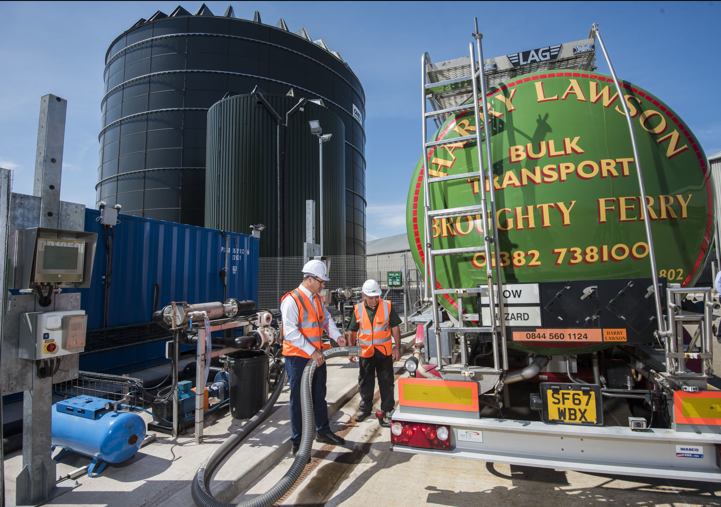 The £3m plant at Dundee Port will see liquid fertiliser sold directly to farmers.