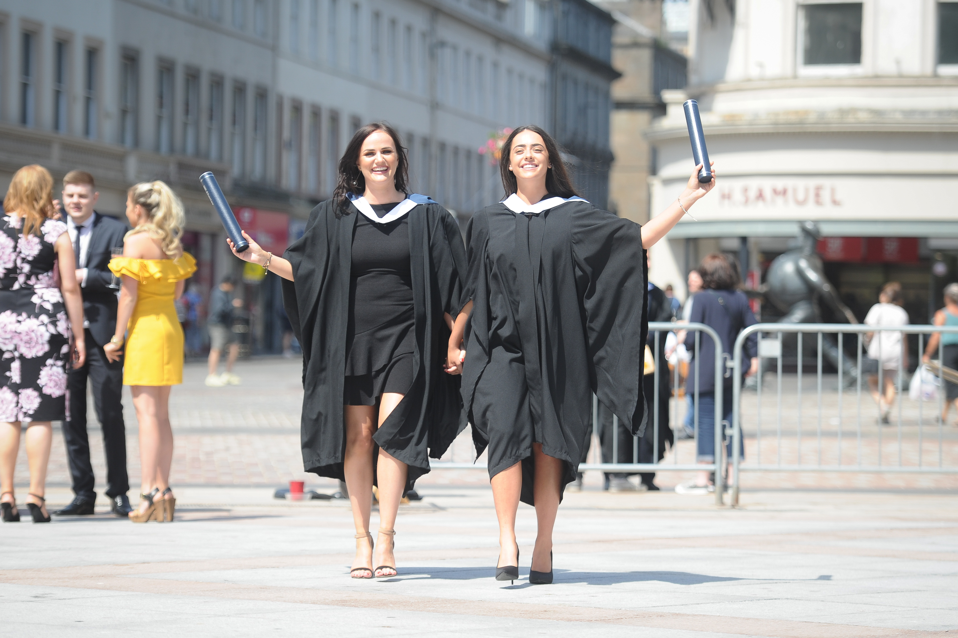 Louise Clarke from Burntisland and Amie Foote from Broughty Ferry who gained BA Hons in Business Management
