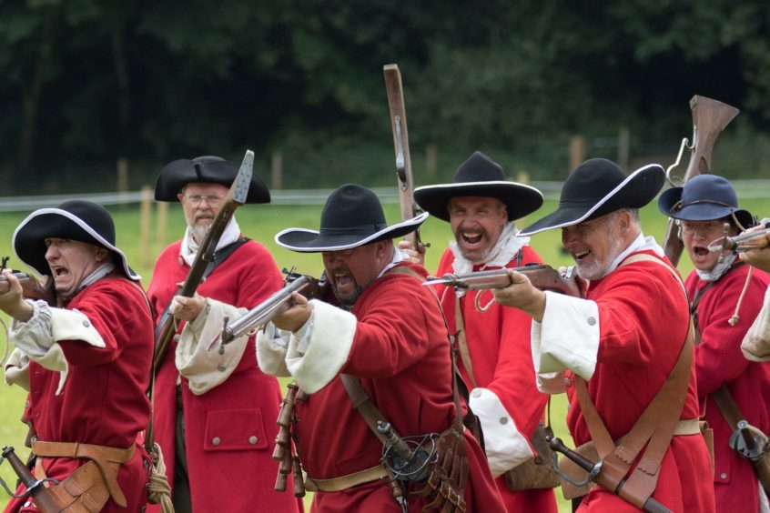 Muskets at the ready.