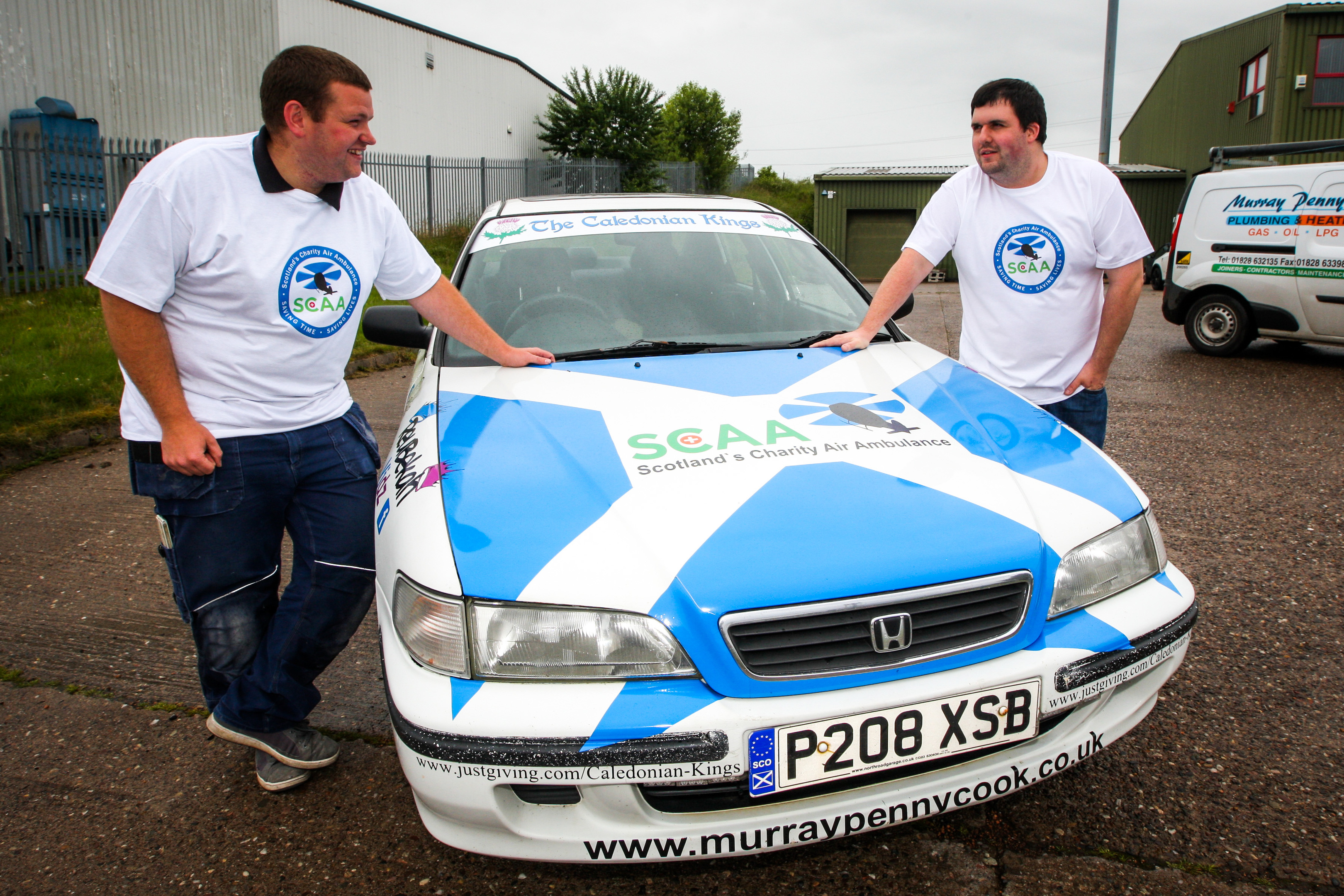 Iain Appleby (left) and David Robertson (right) with the Honda they drove last time.will be driving.
