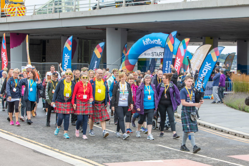 Dundee Wee Wander gets off to a start on their way to Monifieth.