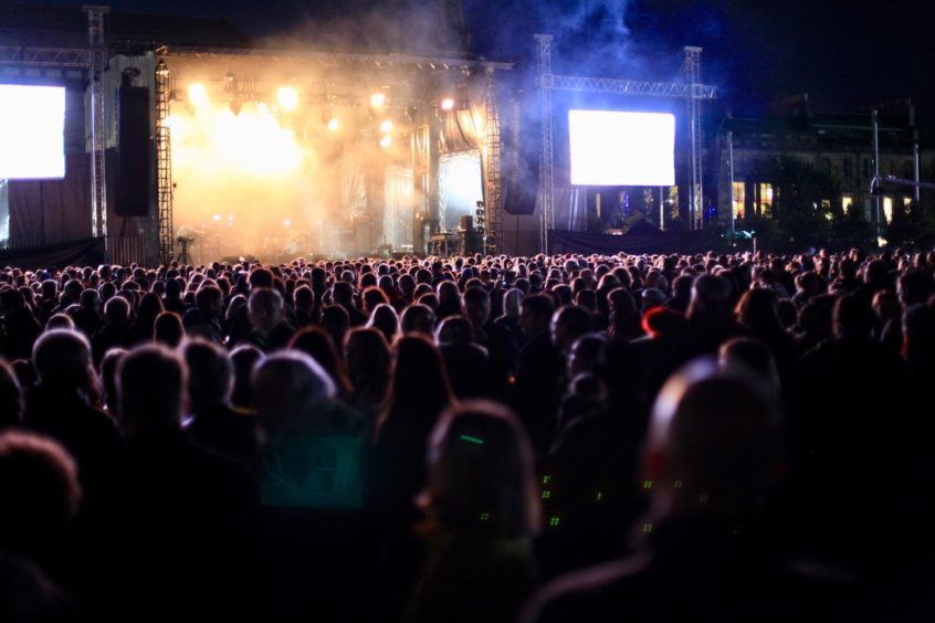Crowds at 3D Festival on the Friday.