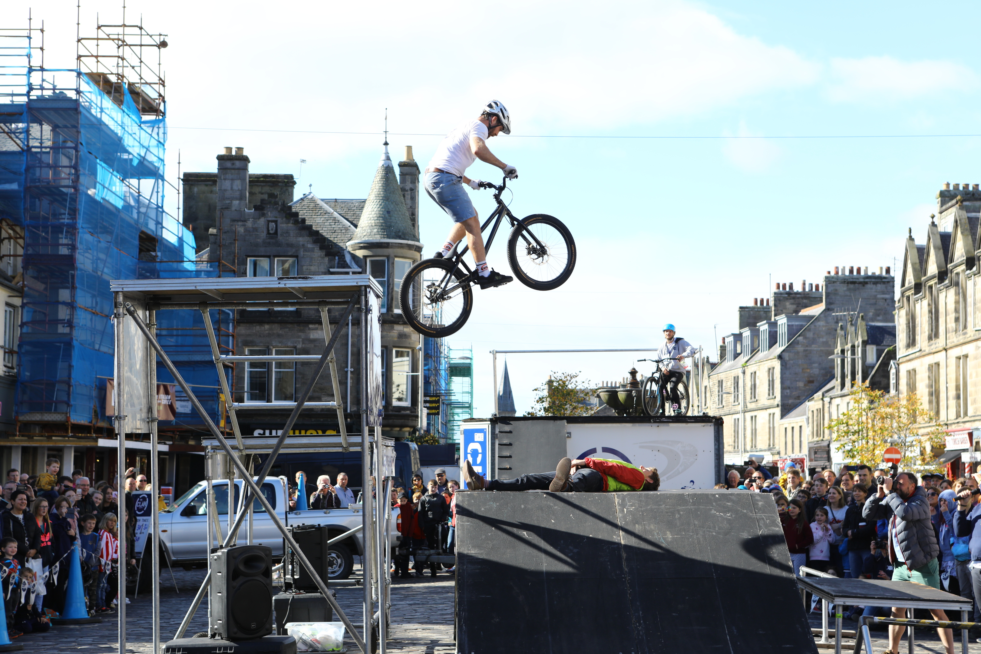 The Clan Stunt Bike Team performed a fantastic display, with one of the event organisers, Alistair Macleod (willingly!) taking part, at the Car Free Day in Market Street, St Andrews.