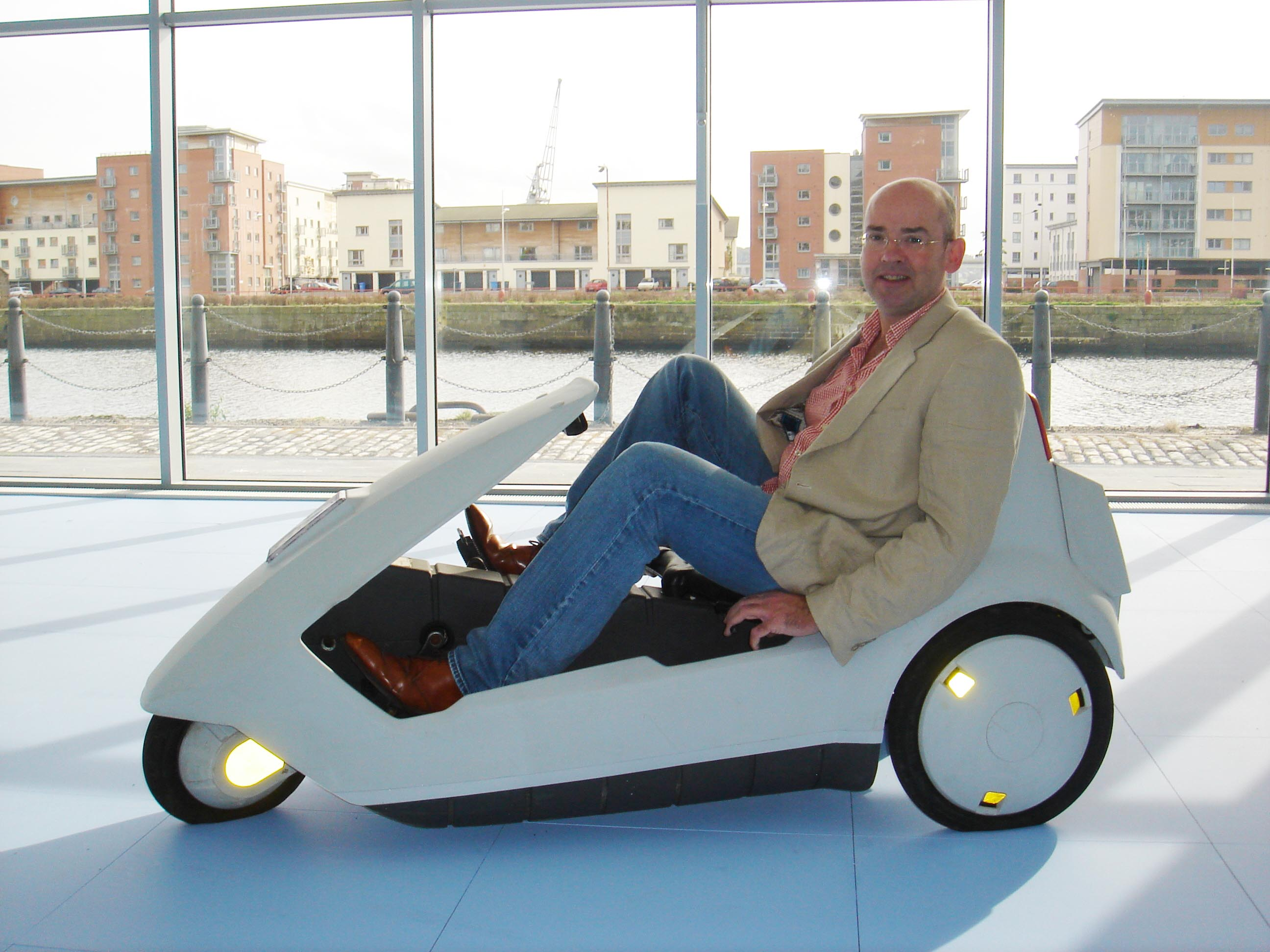 Crispin Sinclair, the son of inventor Sir Clive Sinclair, was in Dundee offering a Sinclair C5 electric vehicle to prospective tenants of a refurbished office at Dundee's City Quay. A collector's item, the C5 was to be handed over with the keys to one of the new units.