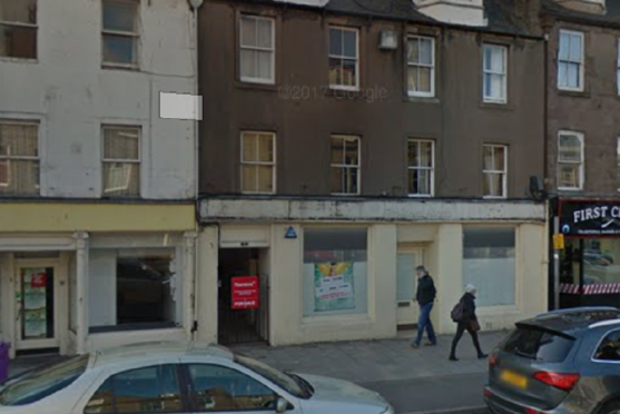 The former Thomas Cook shop on Montrose High St will become a tanning salon