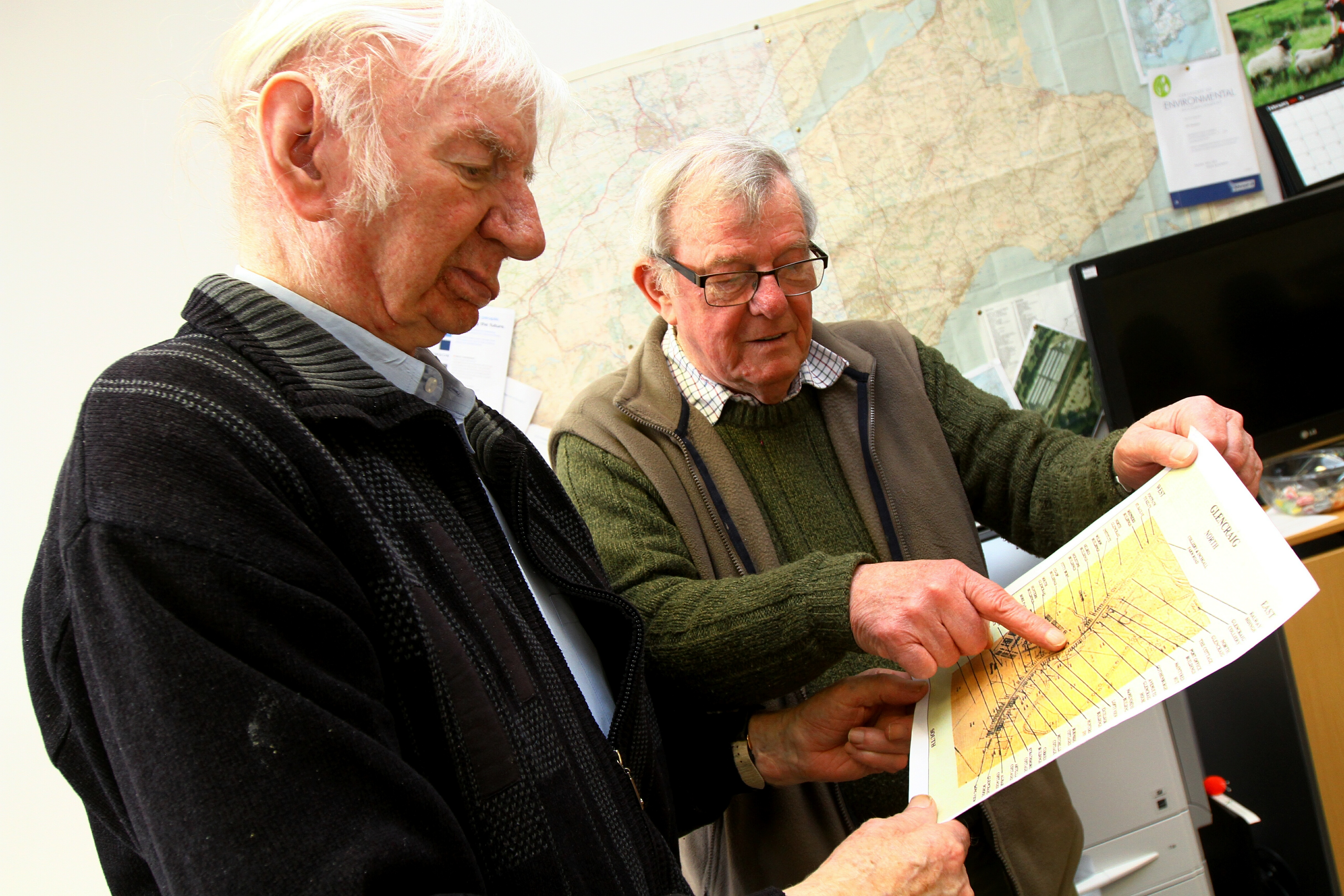 Willie Clarke, left, and Brian Menzies, both Benarty Community Council, looking at a map of Glencraig.