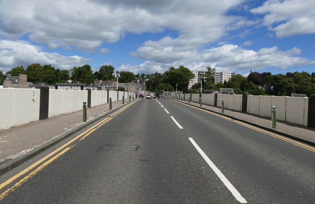 A graphic of what the bollards may look like on the Old Perth Bridge.