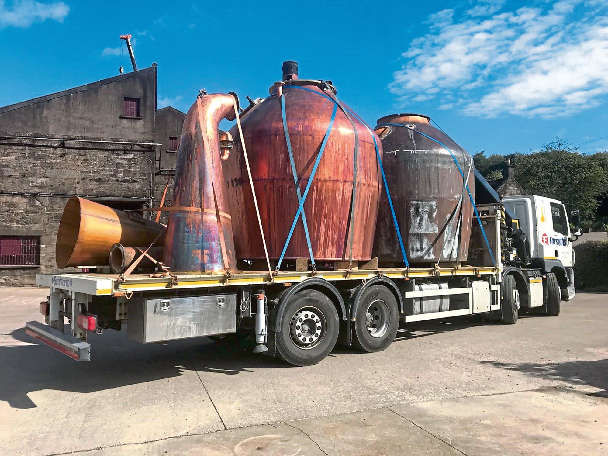 Glencadam Distillery takes delivery of a new still