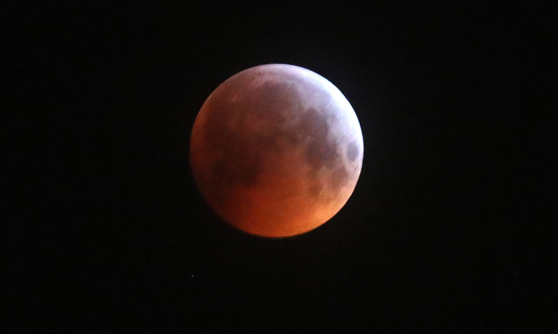 A super blood wolf moon in the sky above Edinburgh.