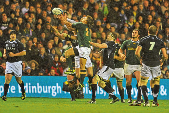 EDINBURGH, SCOTLAND - NOVEMBER 20: Patrick Lambie of South Africa competes for the high ball during the international match between South Africa and Scotland at Murrayfield Stadium on November 20, 2010 in Edinburgh, Scotland.  (Photo by Duif du Toit/Gallo Images/Getty Images)