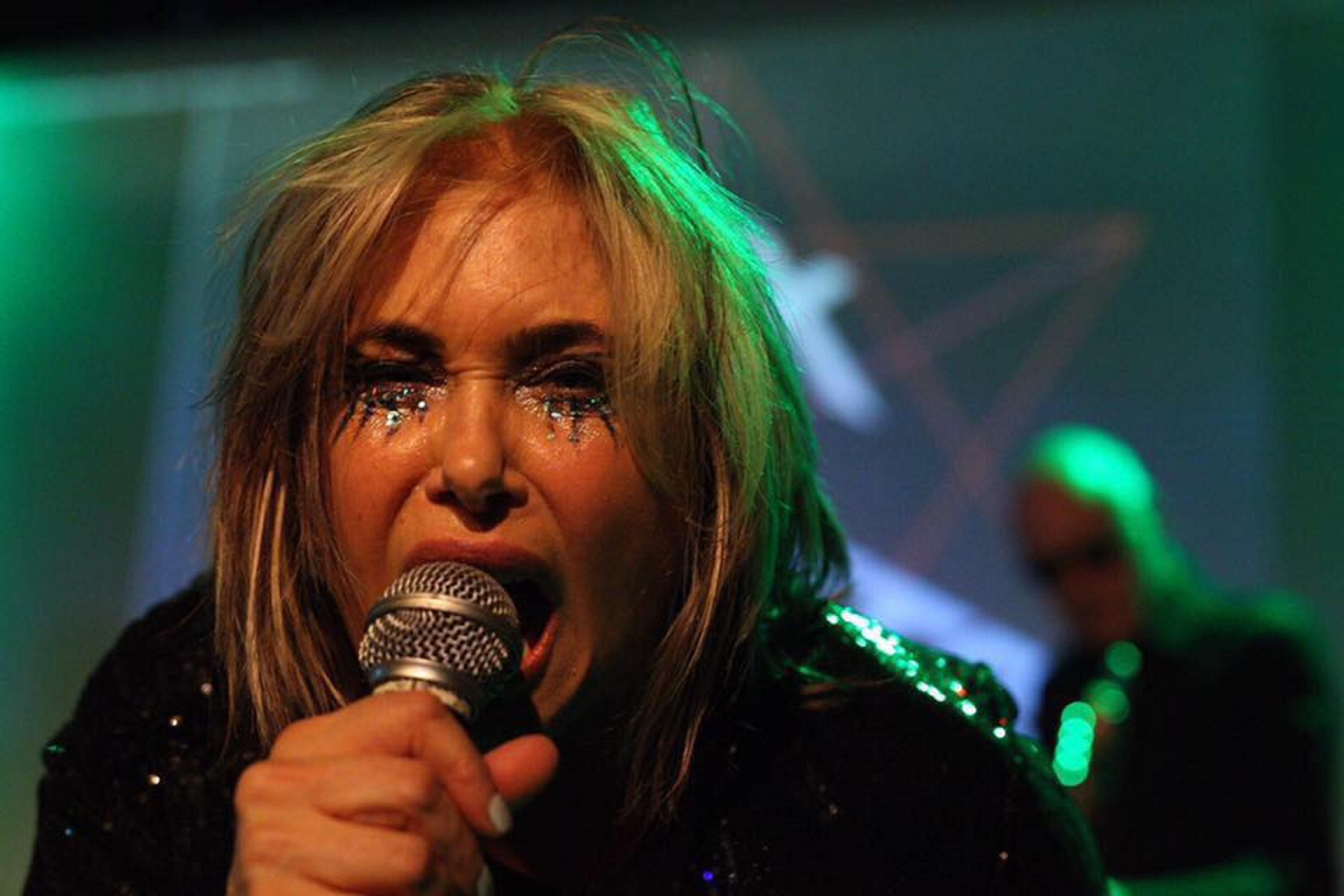 Brix Smith Start returns to Dundee with The Extricated.