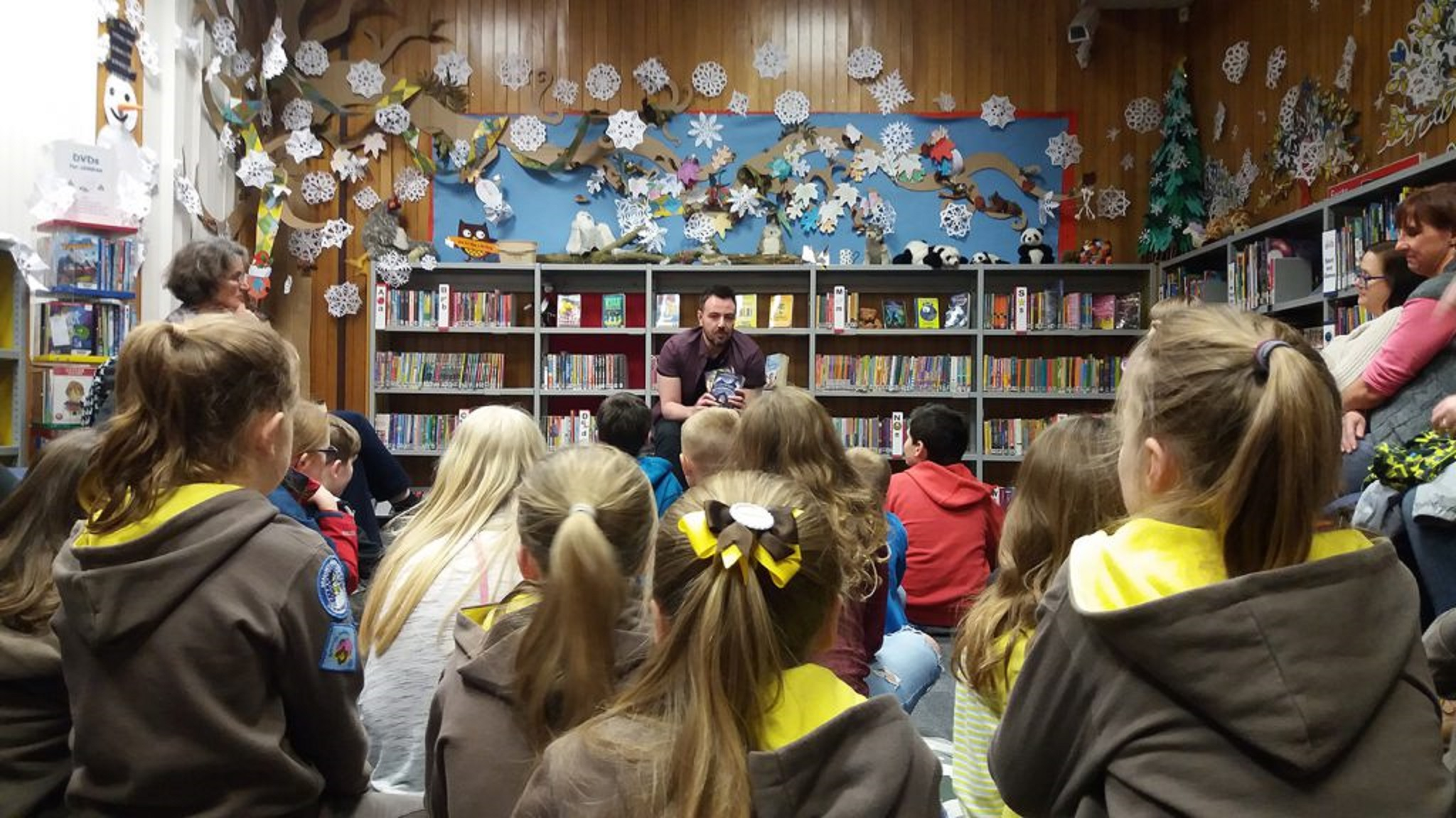 Author Ross MacKenzie at Cupar Library.