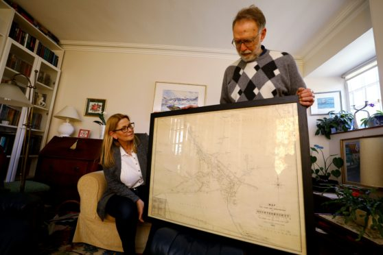 Picture shows; Toril Imrie, and Brian Slattery - Auchtermuchty Heritage, with the old map of Auchtermuchty
