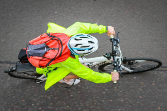 Willie Rennie wants to see a continuous safe cycle route around the Tay