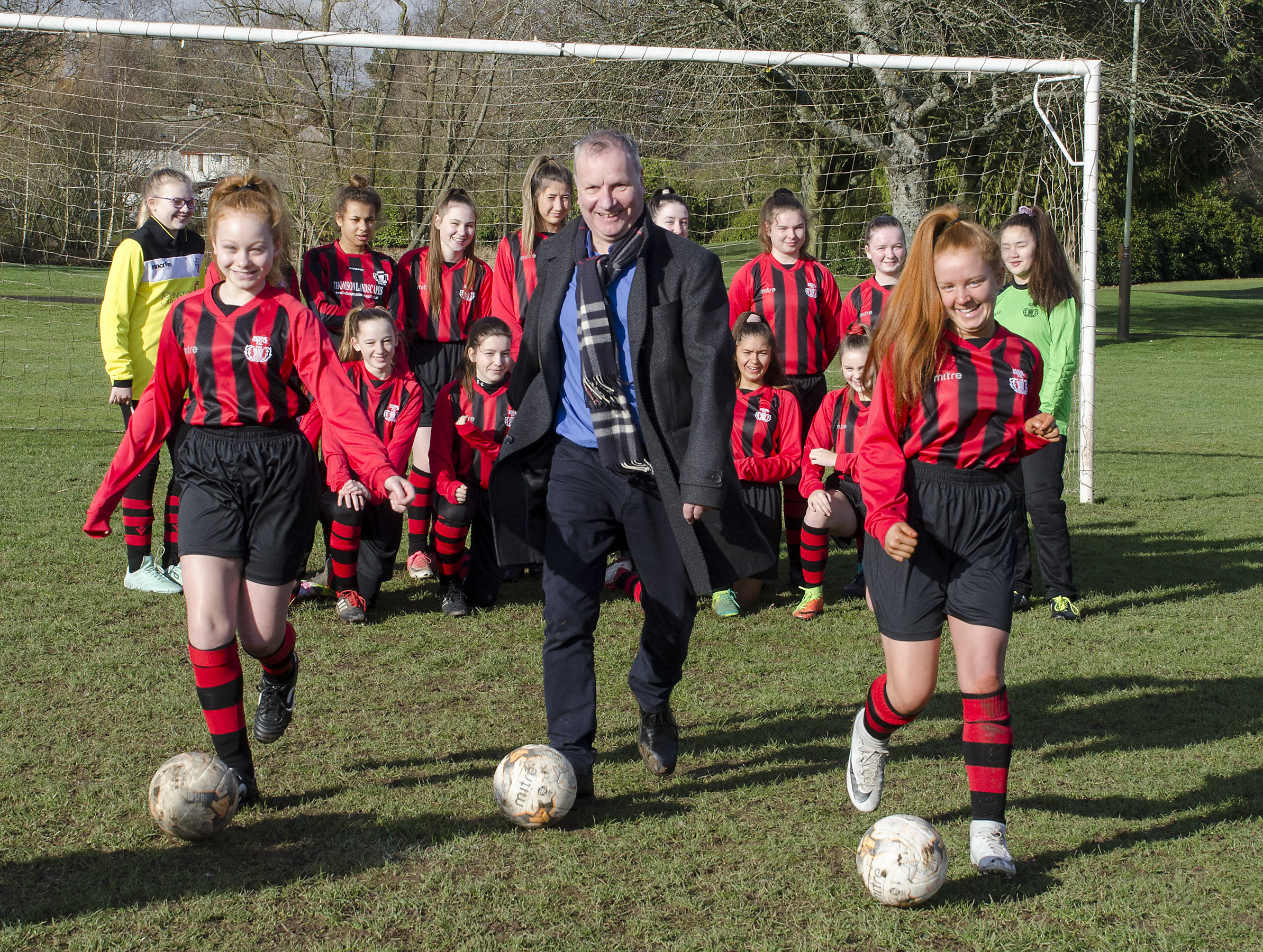 Pete Wishart donated the strips in time for the team's first match