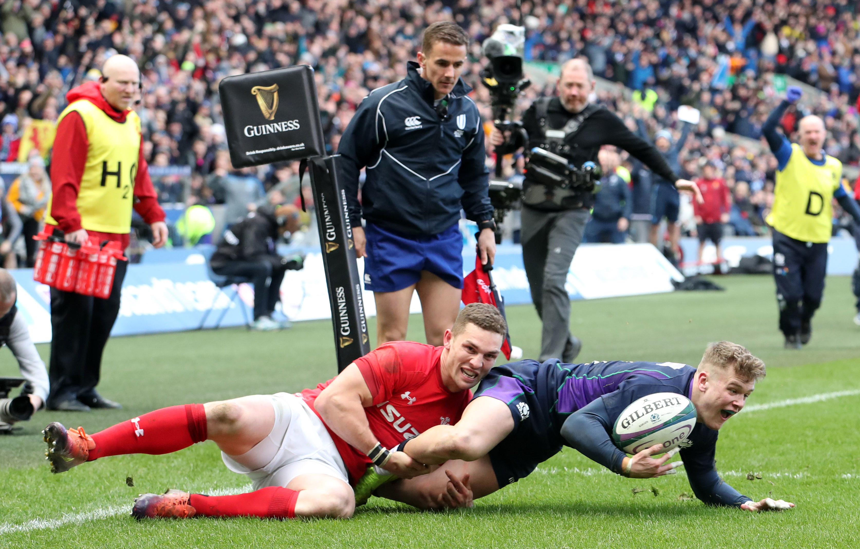 Scotland's Darcy Graham dives in to score Scotland's sole try.