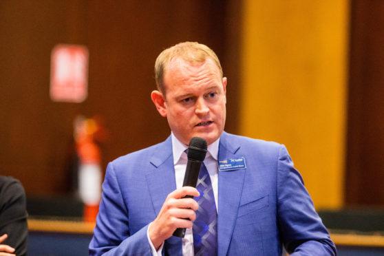 Mr Hynes addressing the public meeting in Kirkcaldy