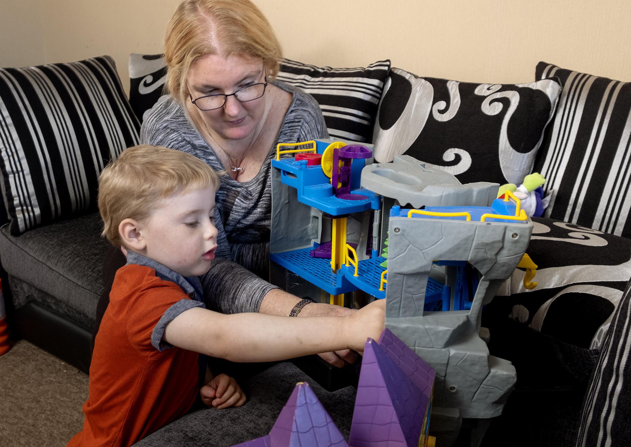Thain (4) with his mum Jen Torrie.