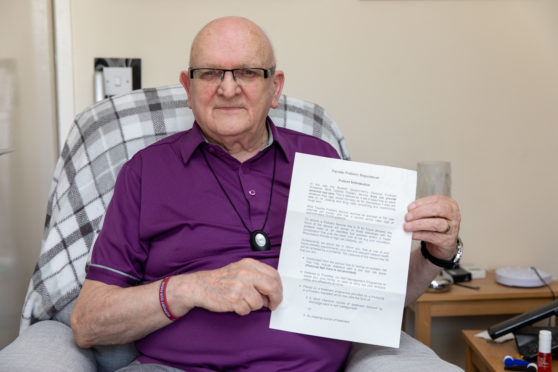 Pensioner Archie McCallum who toe nails have not been cut for 20 weeks
