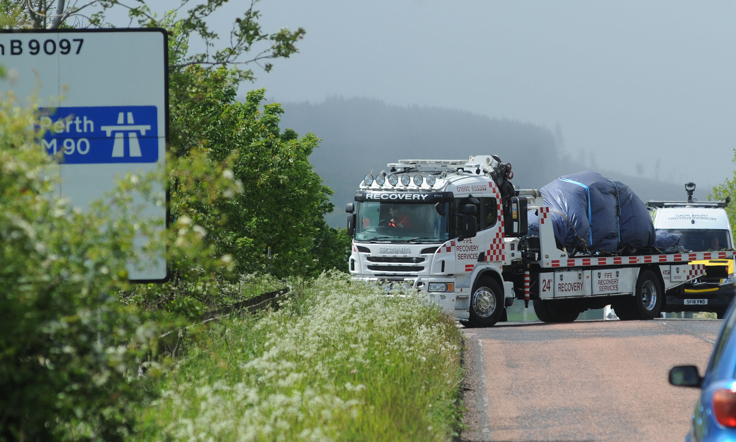 A recovery vehicle at the scene of the incident on the M90 near Kelty.