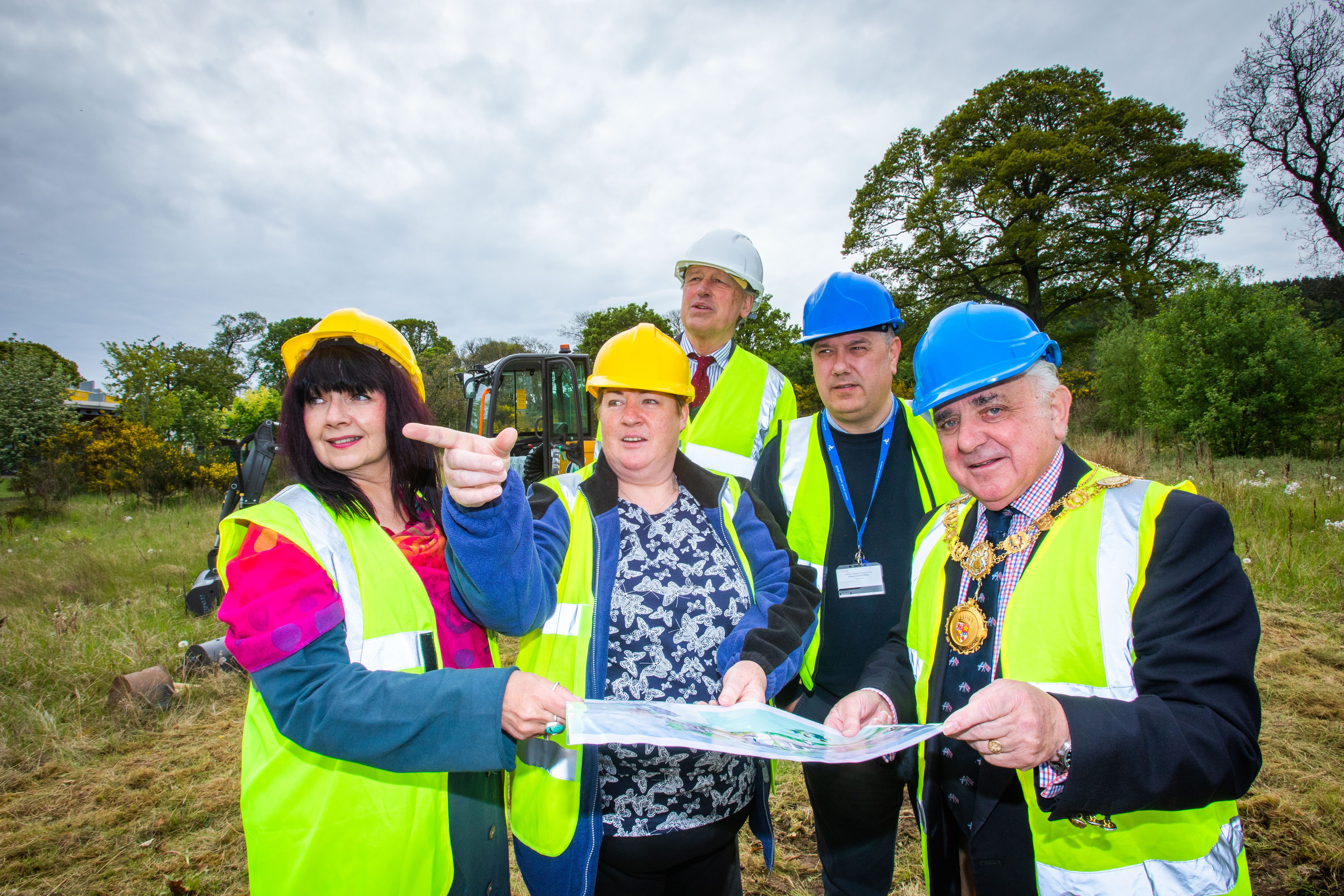Councillor Julie Bell, Kathleen Band (Secretary of Newtyle and Eassie Community Council), Councillor Angus Macmillan Douglas (Deputy Council Leader), Councillor Tommy Stewart and Provost Ronnie Proctor.