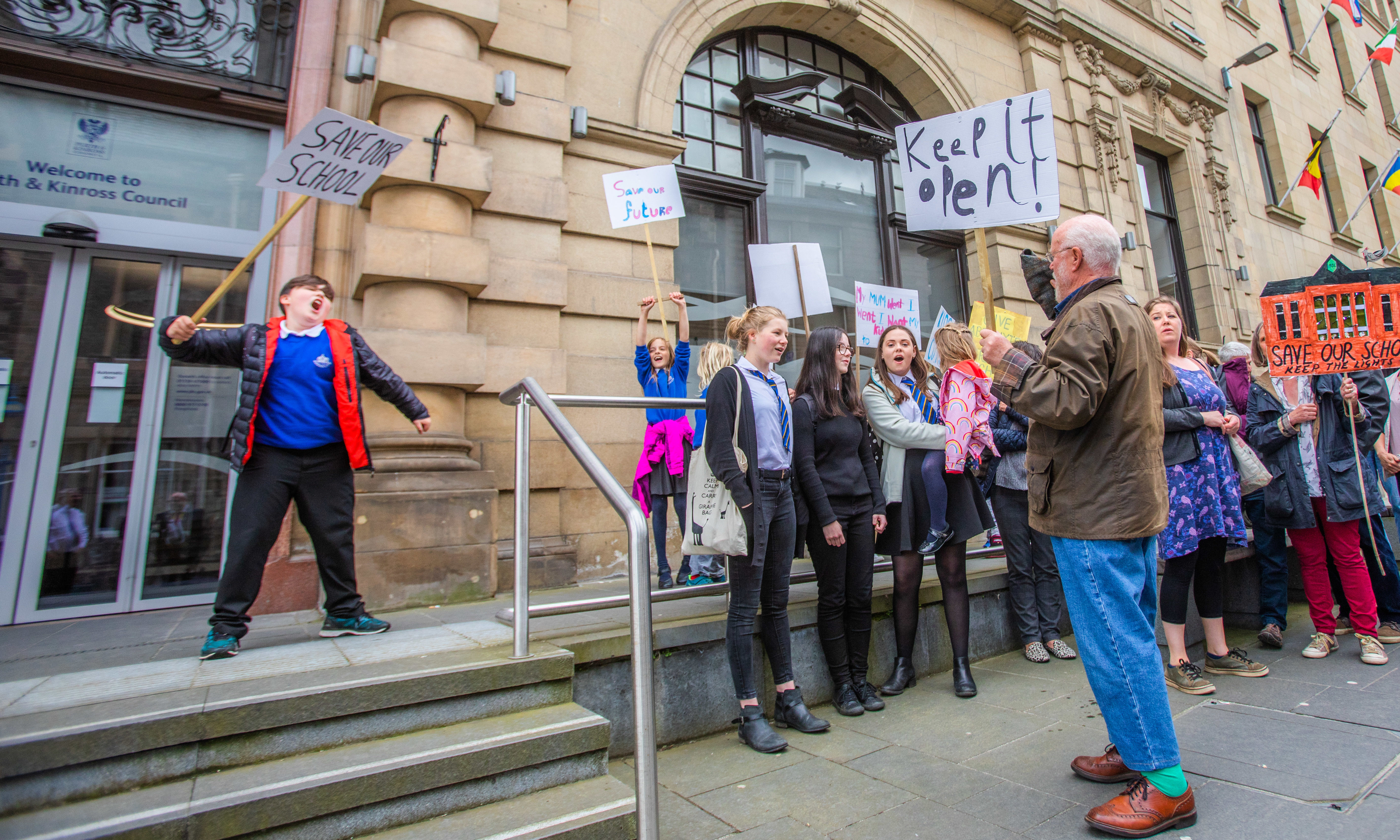 Having protested against closure, Abernyte Parent Council have now asked Scottish Ministers to review Perth and Kinross Councils decision to close the school.