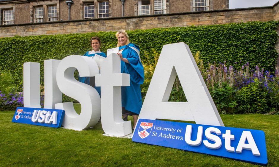 Anastassia Matviitsuk (29) and Caroline Zinser (30) from Estonia and Germany.