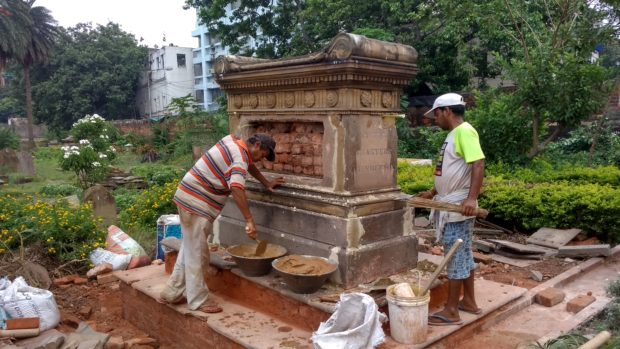 Restoration work on the tomb of Aberdeen born soldier Samuel Macpherson who led a campaign to eliminate human sacrifice and female infanticide in Orissa, India.