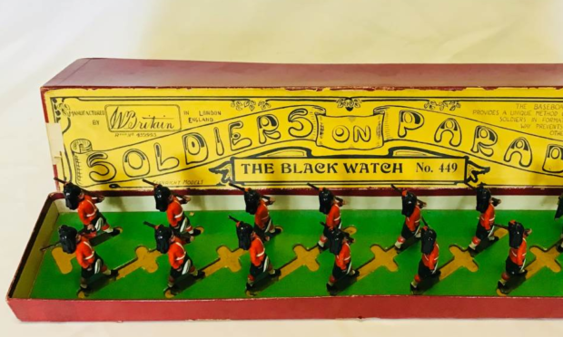 The Black Watch on the march, £6,600 (Old Toy Soldier Auctions, Pittsburgh).
