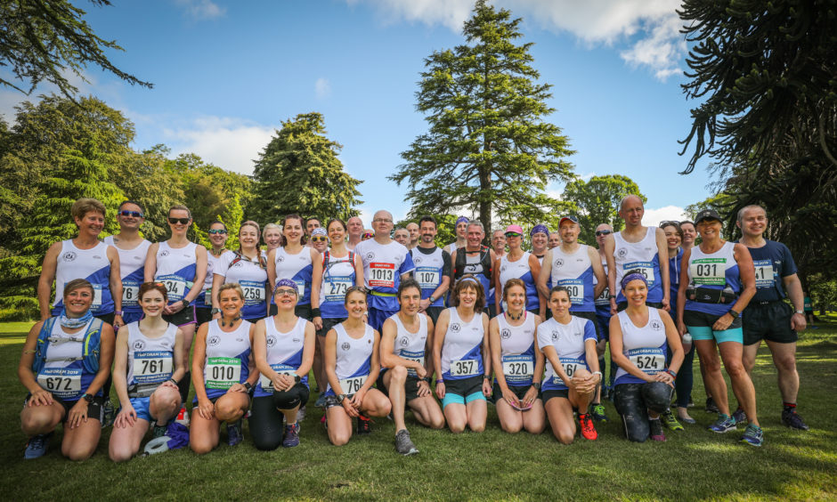 Dundee Road Runners at the start at Camperdown Park.