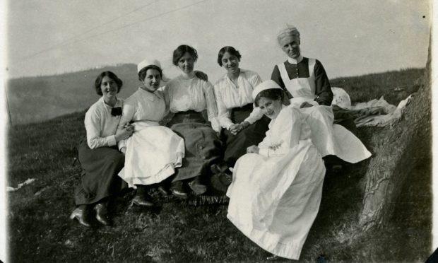 Picnic for nursing staff at Aberfeldy Cottage Hospital and Aberfeldy Red Cross Voluntary Aid Detachment (VAD) Hospital, summer 1915