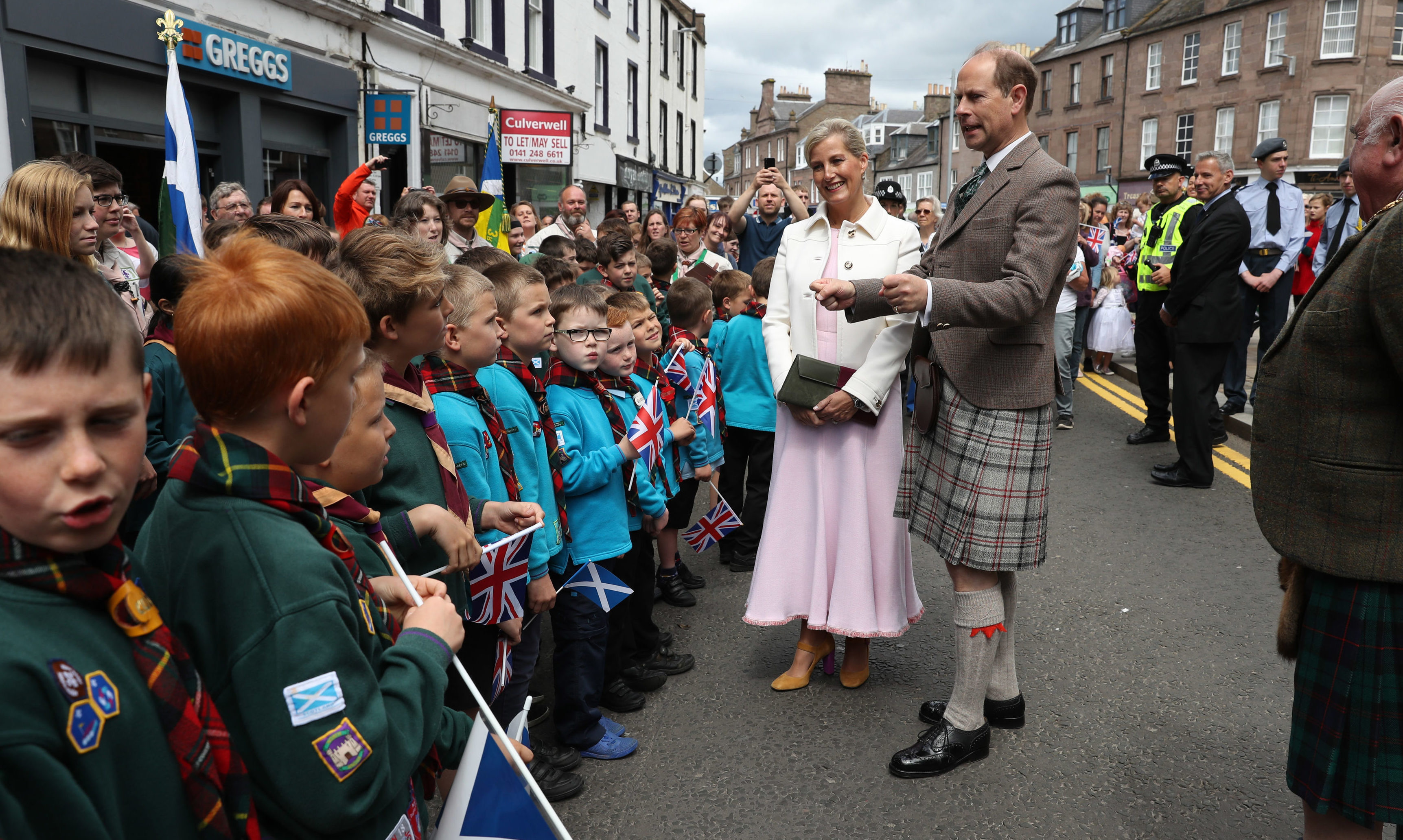 The Earl and Countess of Forfar chat with locals in Castle Street in Forfar.
