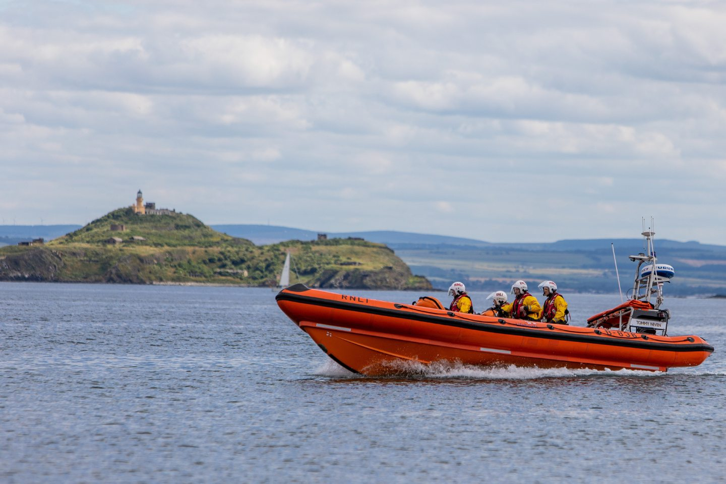 Kinghorn Lifeboat towed the yacht to safety.