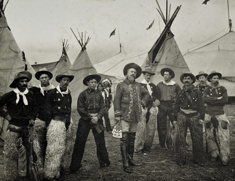 Buffalo Bill and his crew in Dundee in 1904.