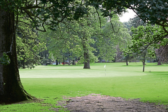 Courier News - Dundee story - Camperdown Golf Course. CR0013136 Picture shows; the 6th green at Camperdown Golf Course today. Monday 19th August 2019. Dougie Nicolson / DCT Media.