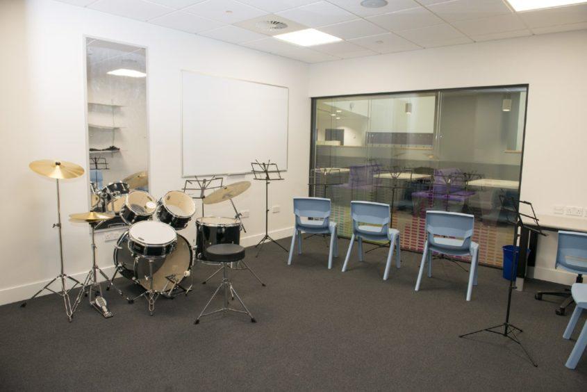 Bertha Park High  Photo, Music Rooms