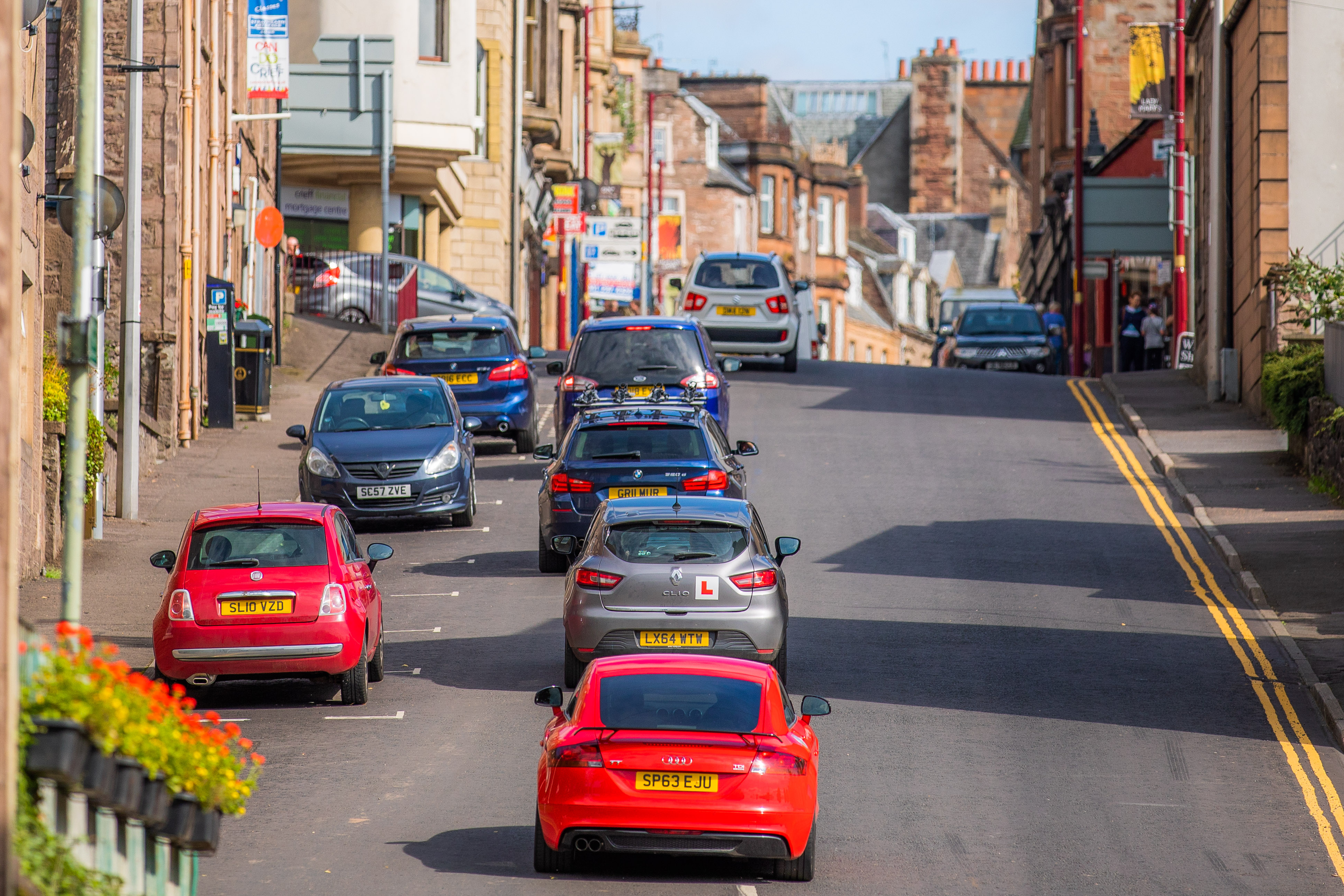 Traffic congestion on Lodge Street leading to High Street, Crieff.