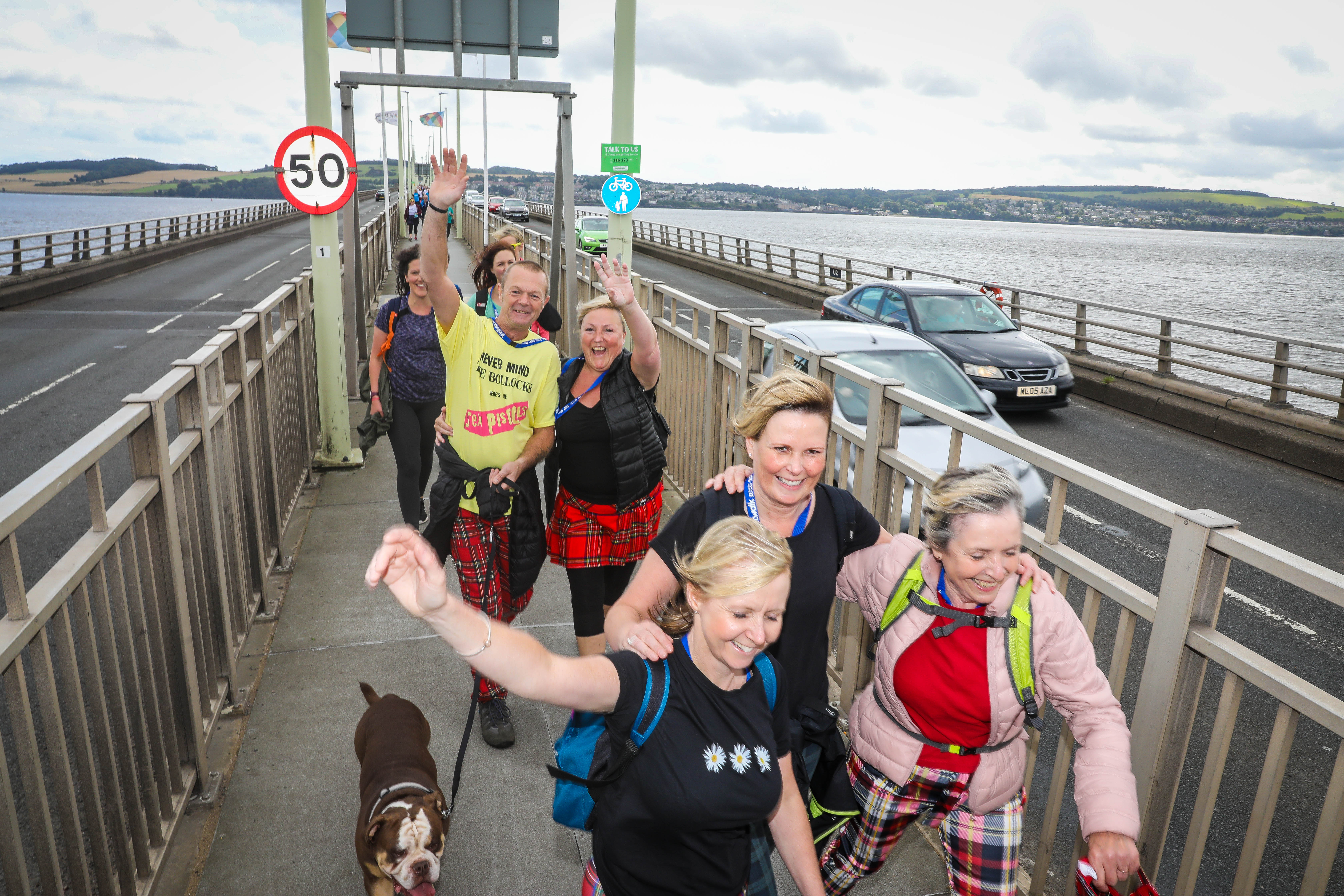 The Dundee Kiltwalk saw 3000 people join in
