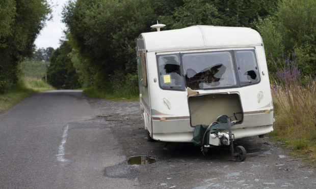 "Caravan near the Gas Pipeline between Pitcairngreen and Moneydie. A ""notice of intention to remove"" has been issued by PKC."