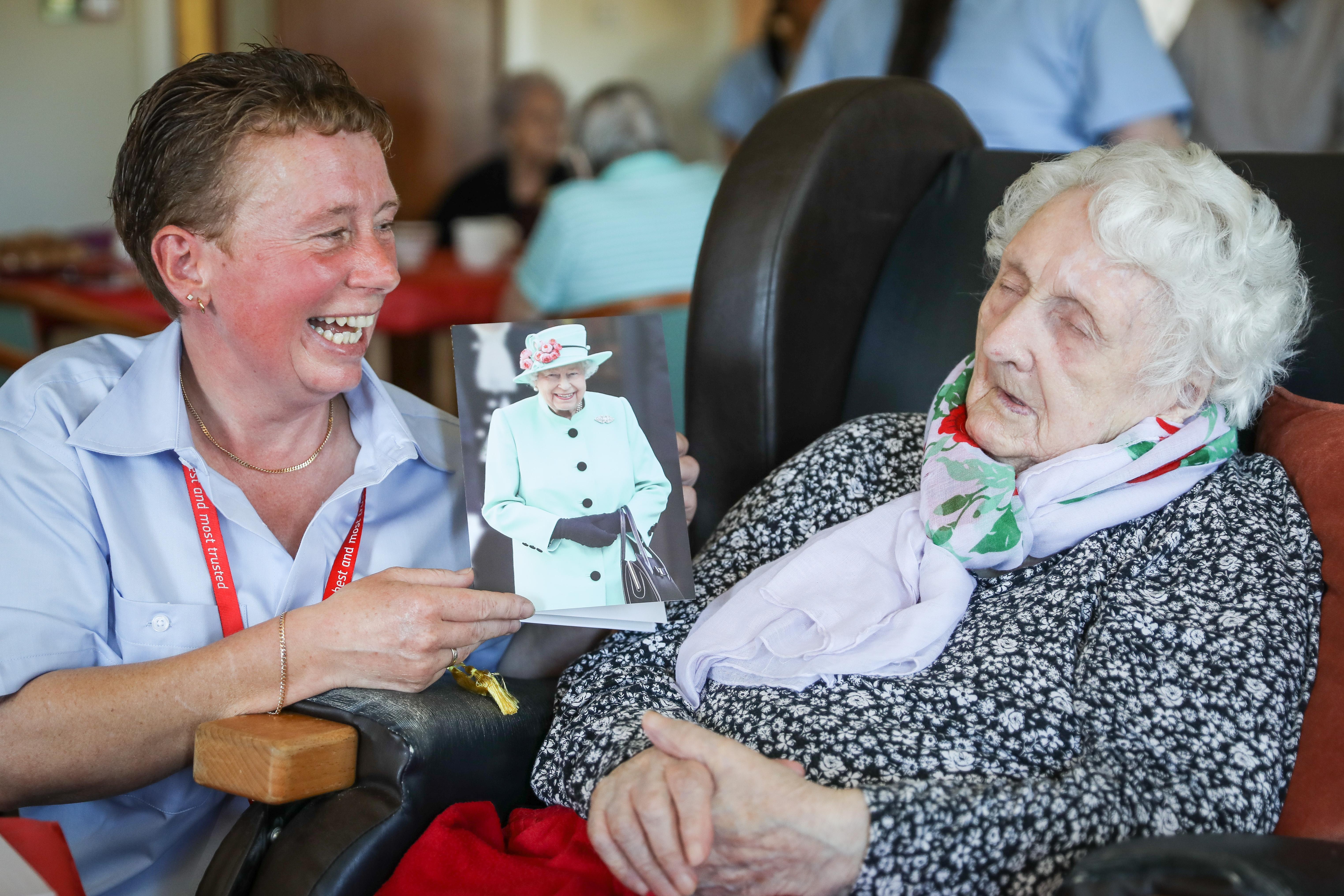 Centenarian Elizabeth Cruickshank and postie granddaughter Jackie Bremner.