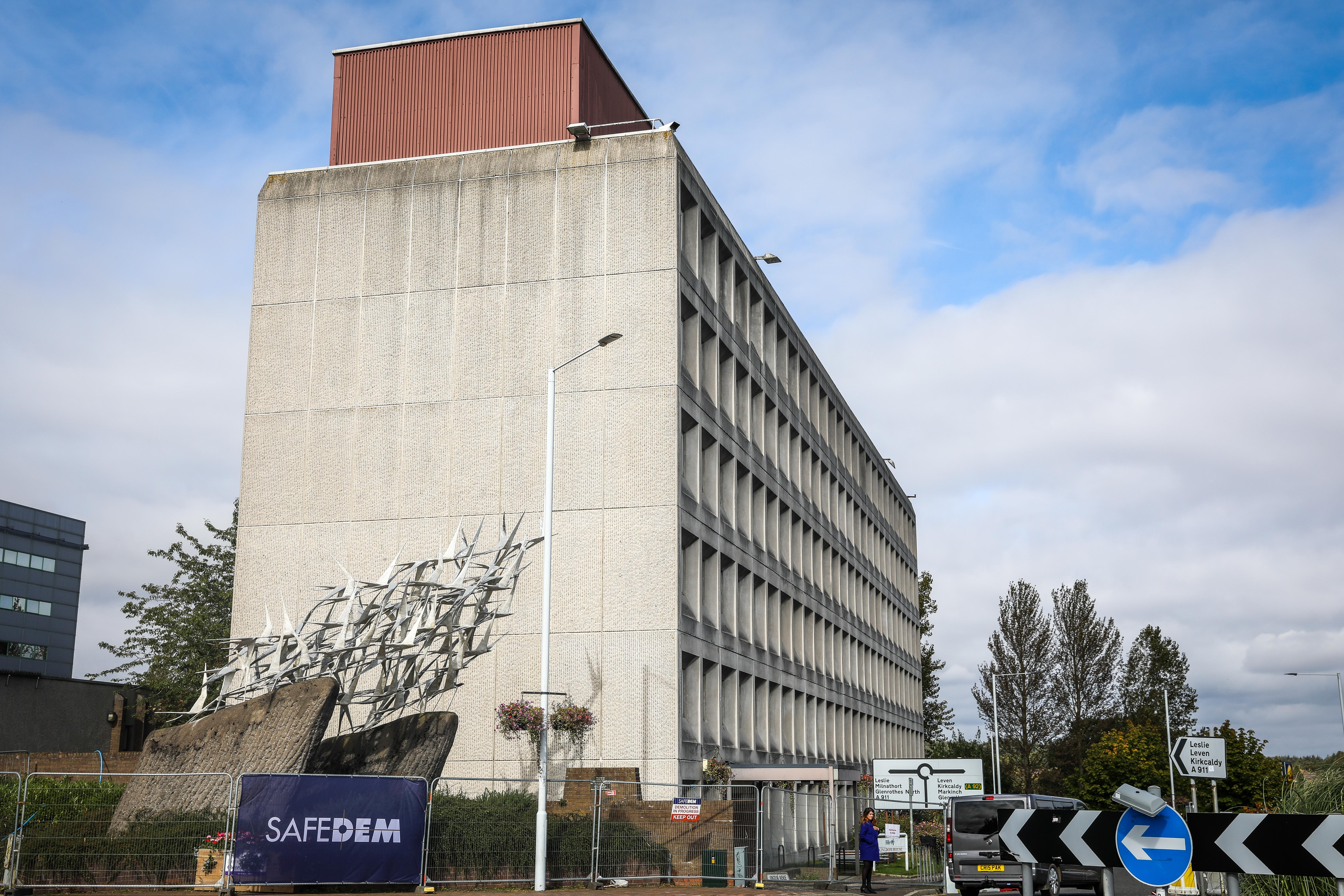 Fife Council has confirmed the prominent listed public artwork created by Malcolm Robertson in 1978 will remain in its current location following the demolition.