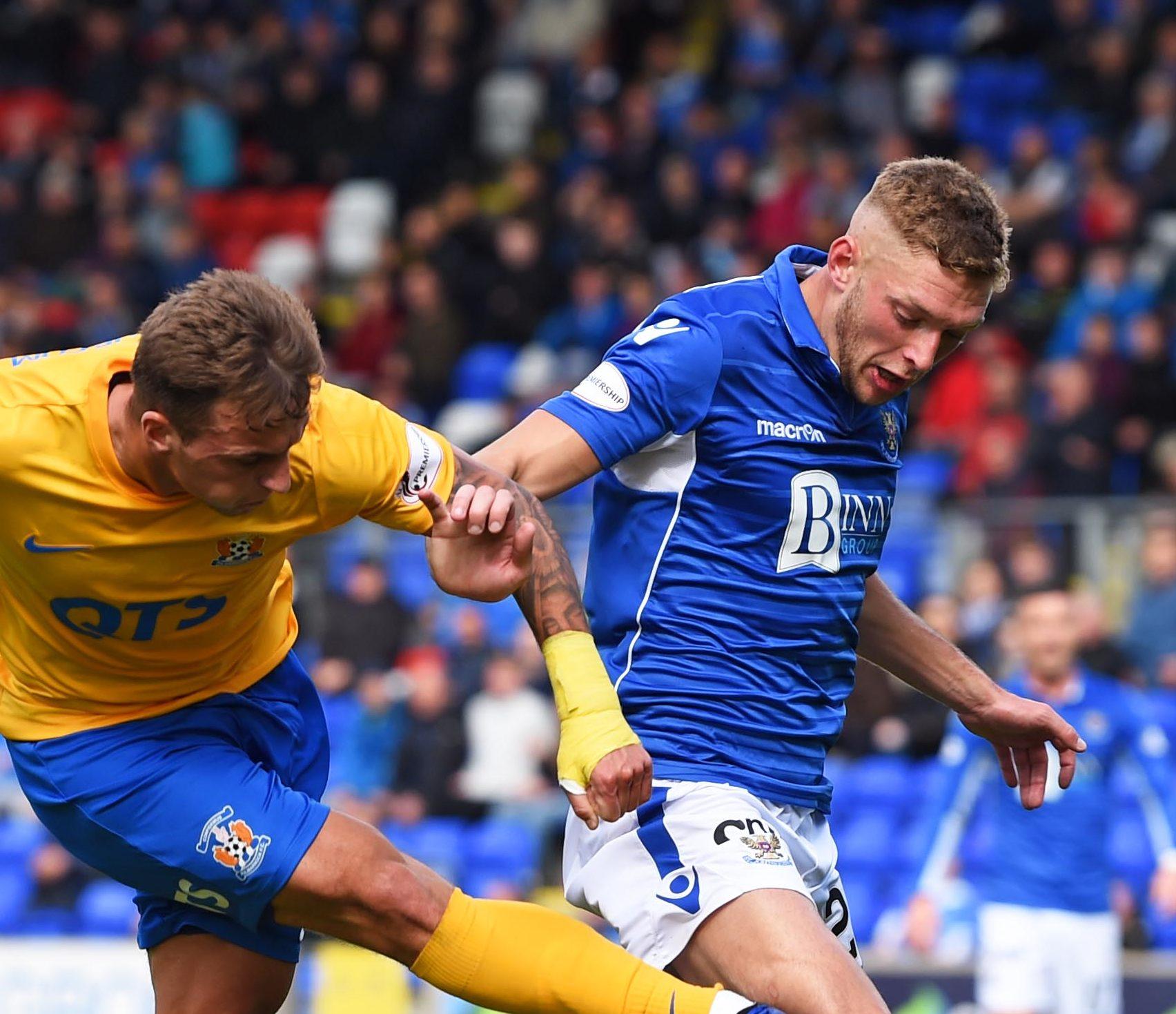 Liam Gordon in action against St Johnstone.