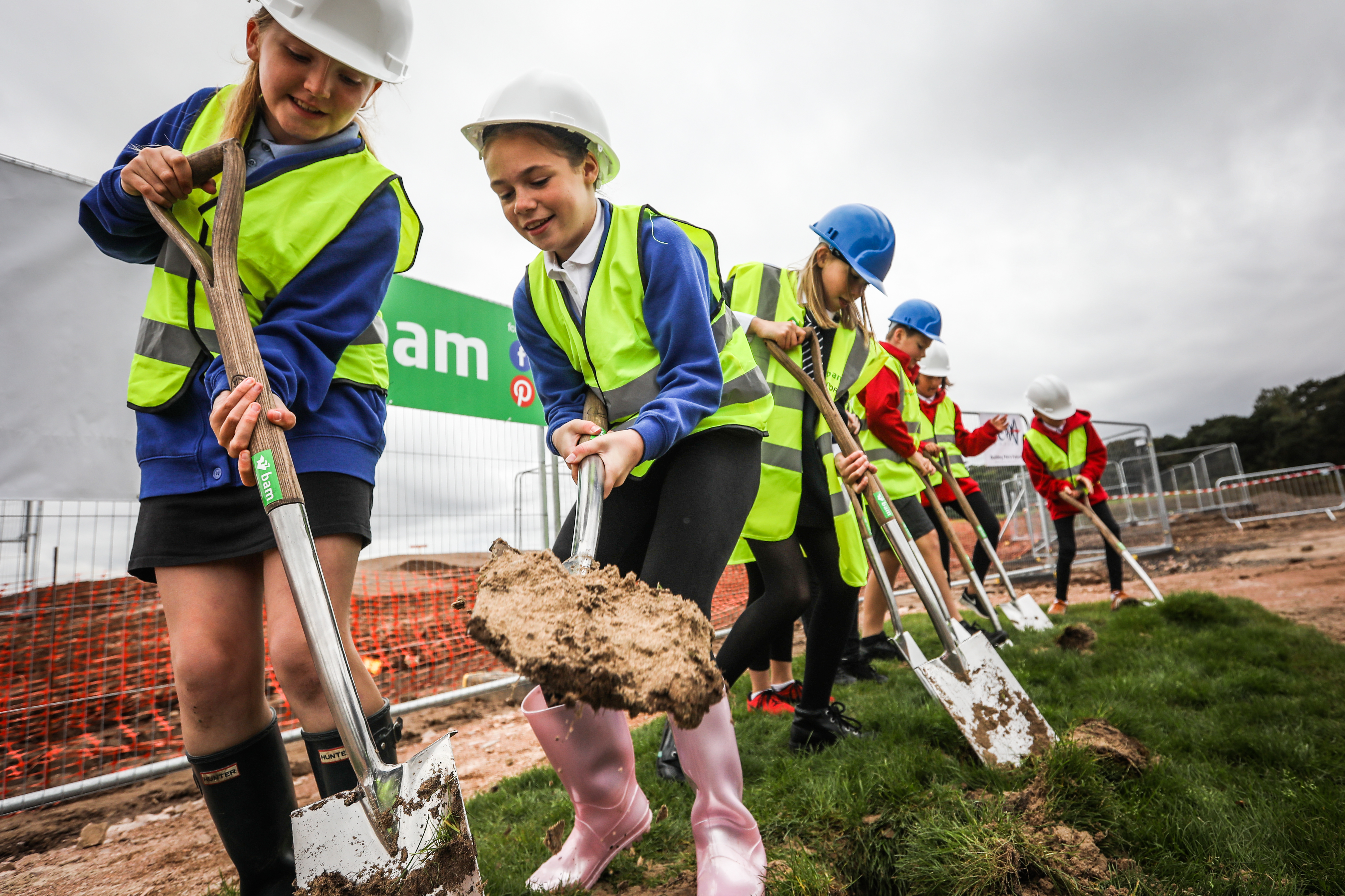 Young pupils cut the first turf at the new Madras project