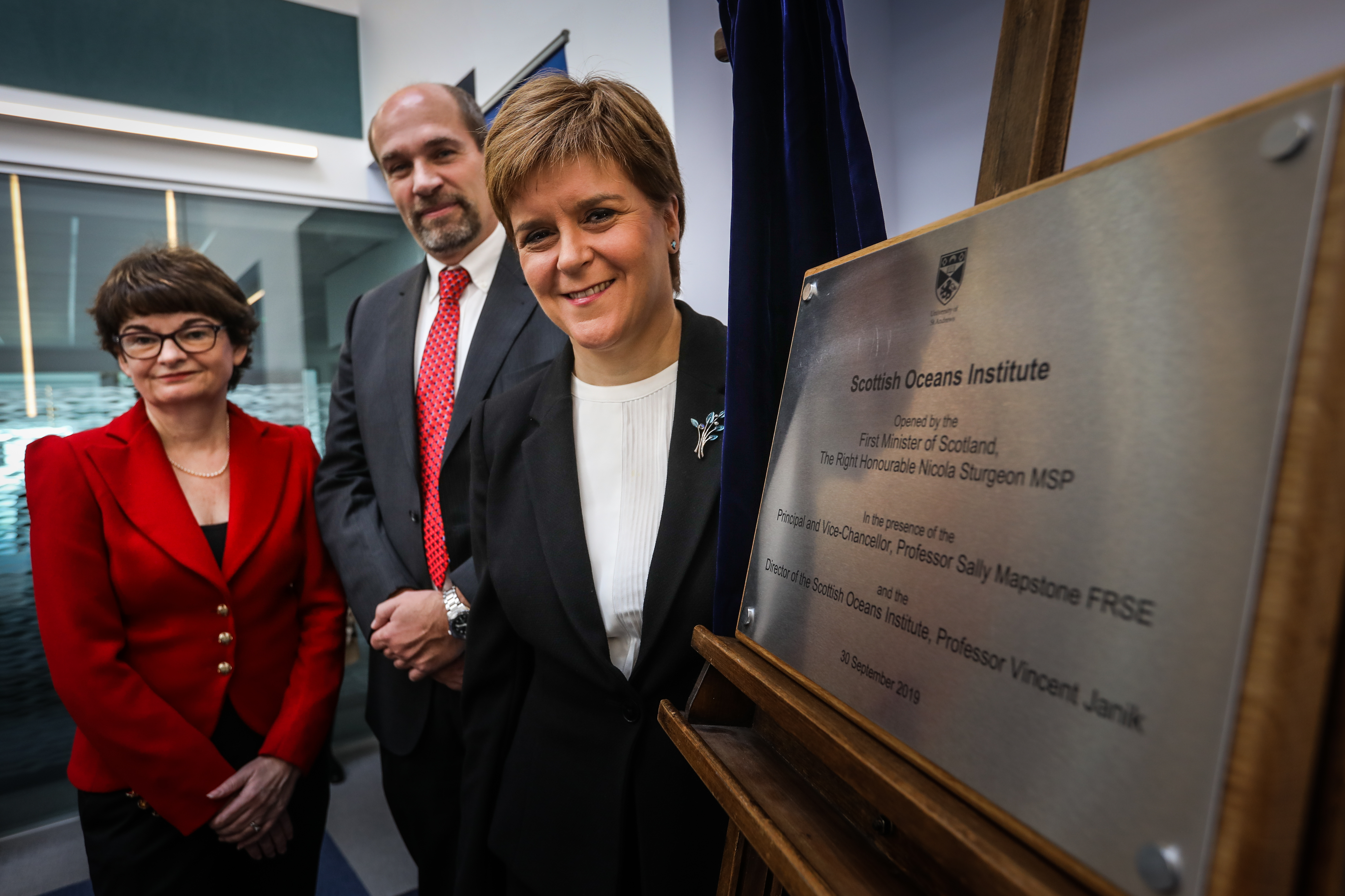 Principal Sally Mapstone and Professor Vincent Janik, director of the SOI, with First Minister Nicola Sturgeon.