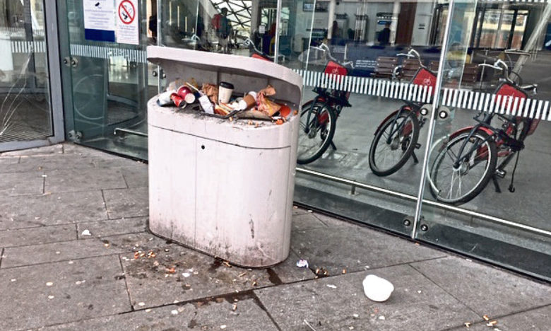 Joyce McIntosh spotted the overflowing bin when boarding a train to Glasgow on Monday.