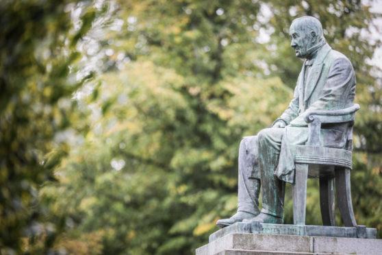 The Peter Reid statue in the Reid Park, Forfar.