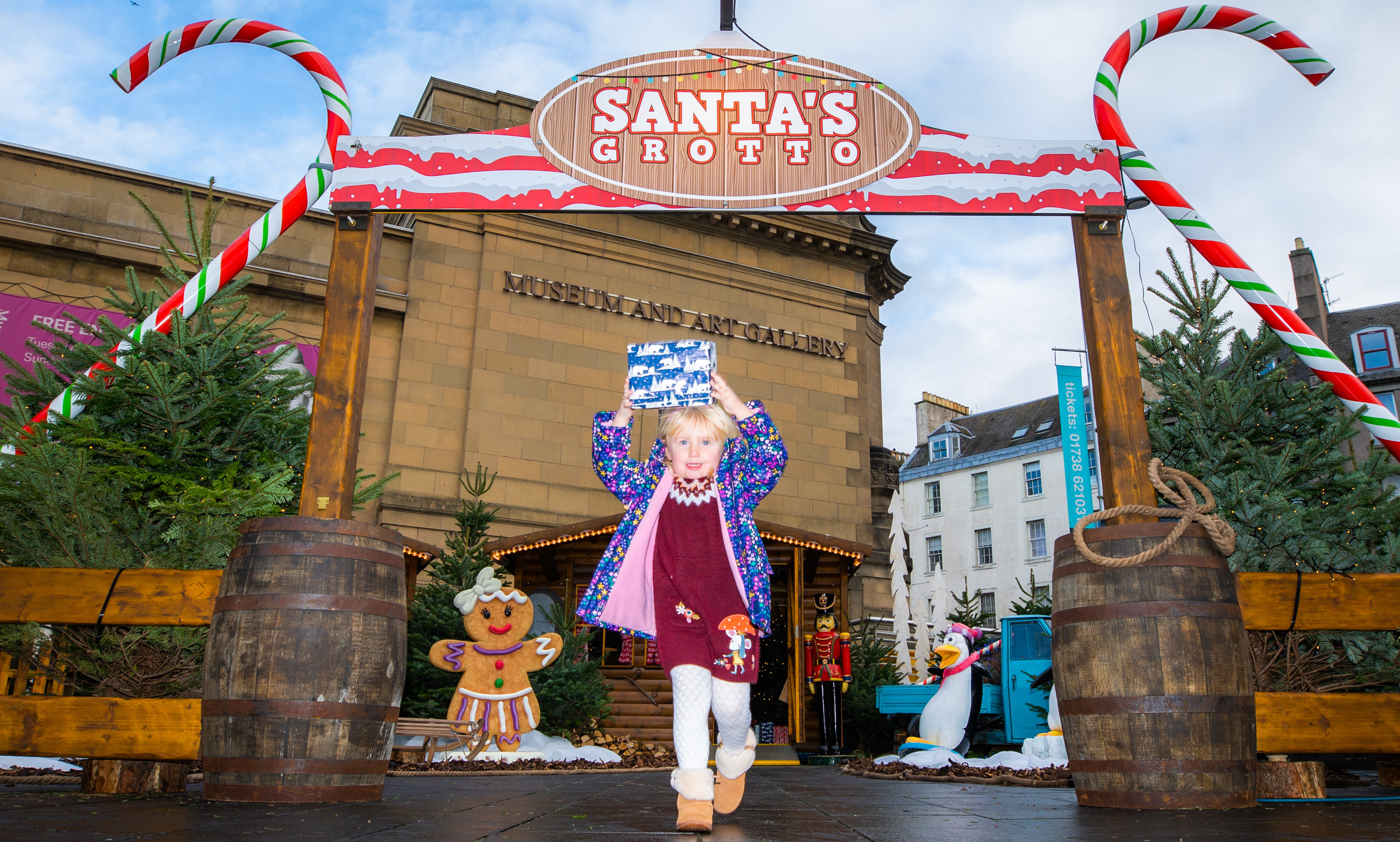 Ruby Hampton (aged 4 from Blairgowrie) managed to take a sneak peak at Santa's Grotto in Perth, and was rewarded for her efforts!