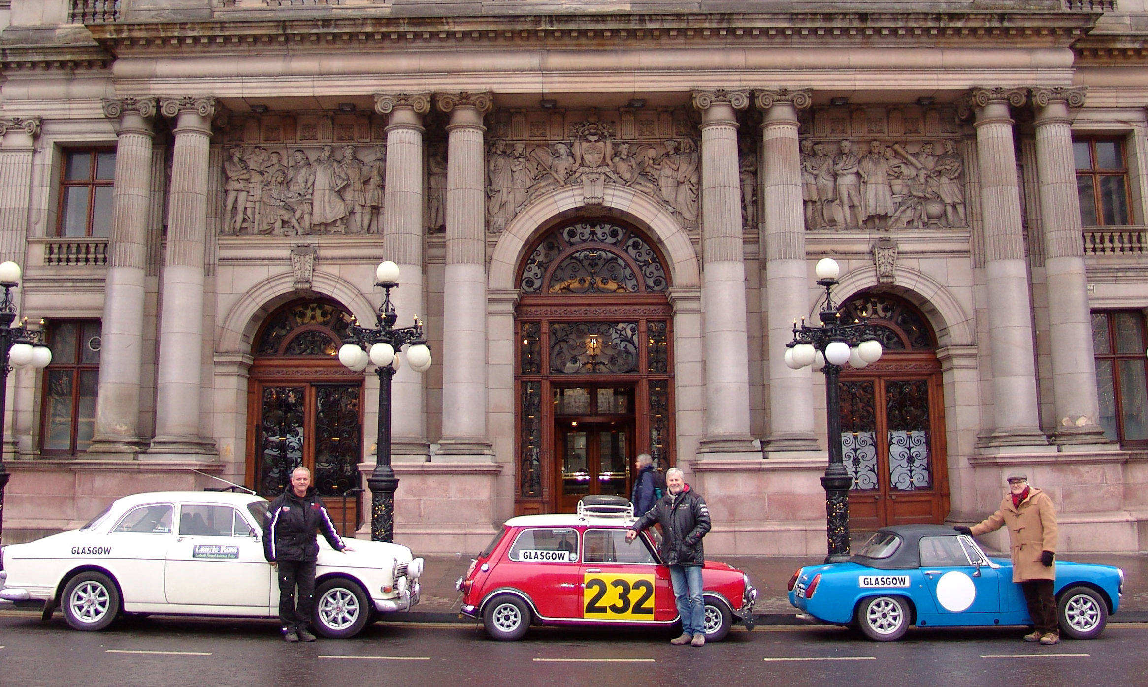 The classic line-up at Glasgow City Chambers.