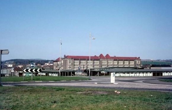 Rosyth was the original home of the high school for the area, councillors have argued.