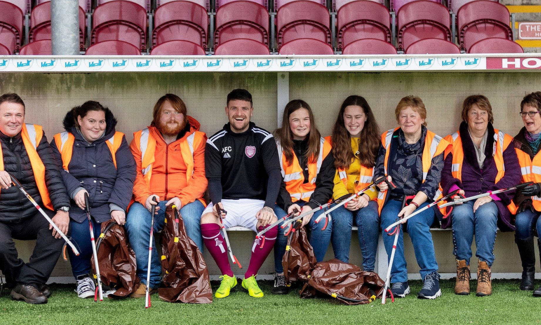 Bobby Linn with anti-litter campaigners and Arbroath litter champions.